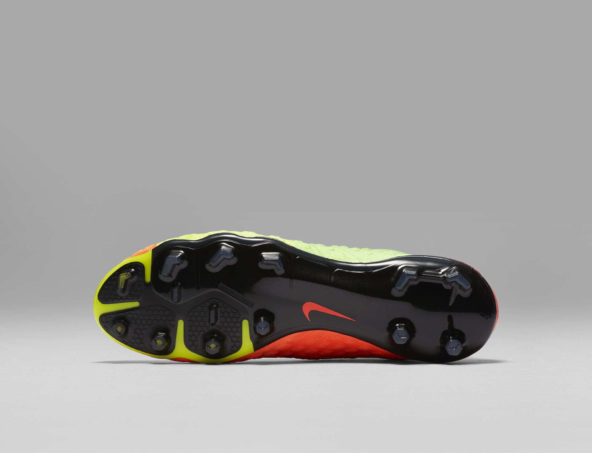 Nike Hypervenom 3, chiamarsi bomber