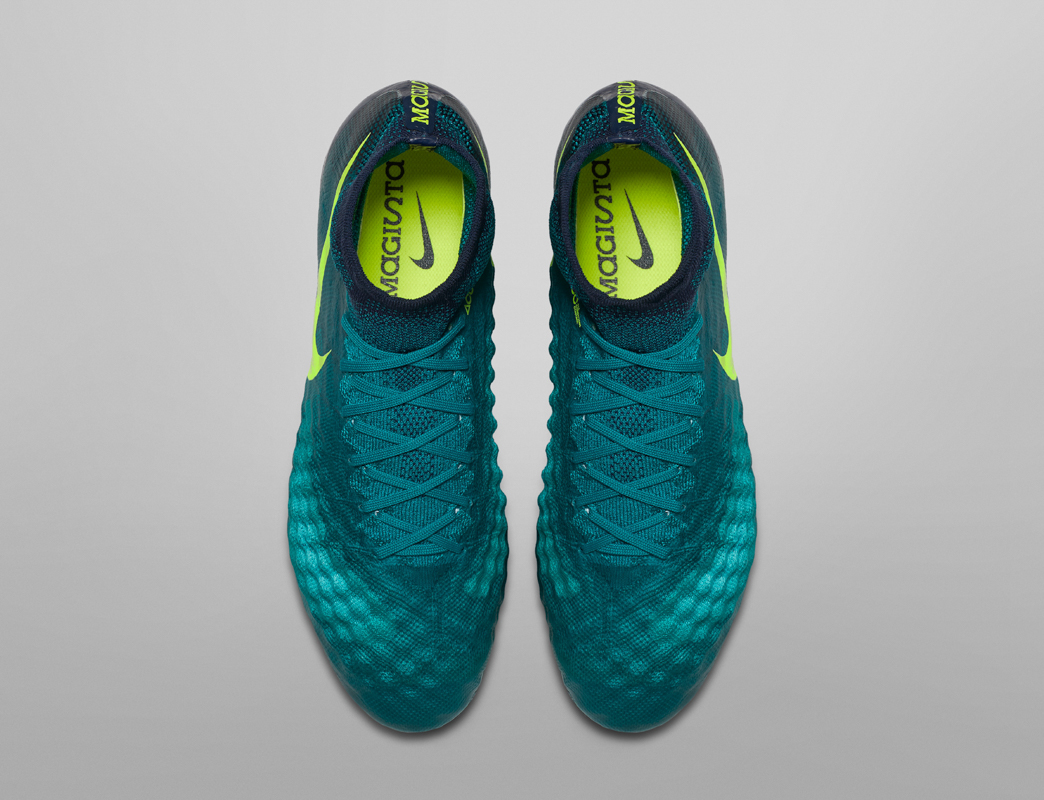 Nike floodlights pack Magista Obra