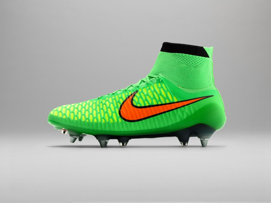 Sp15_FB_WE_4_Silo_Reverse_Pack_Magista_1_Outside_R_36951