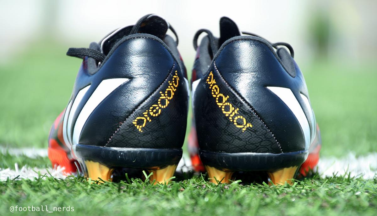 the best attitude 85d07 d0307 Il primo impatto una volta indossate è una sensazione di una scarpa che  avvolge completamente il piede. Si adatta bene anche ai giocatori con la  pianta ...