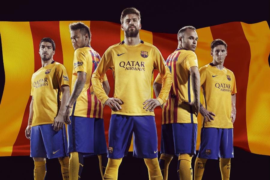 barcelona-away-2016-group