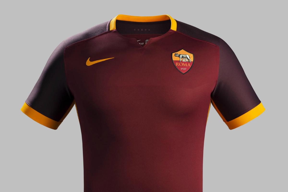 completo calcio ROMA nuove