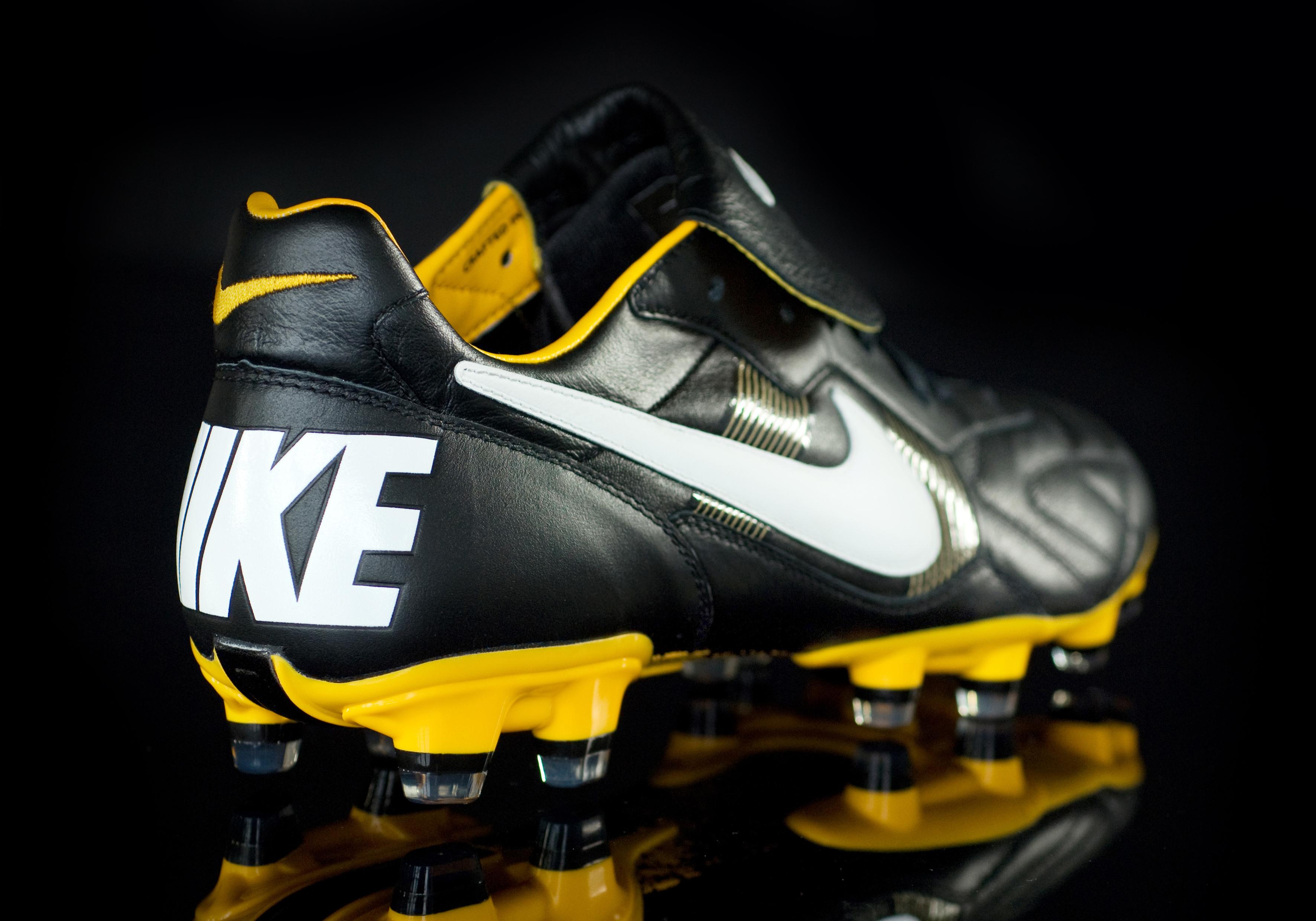 scarpe da calcio nike anni 90
