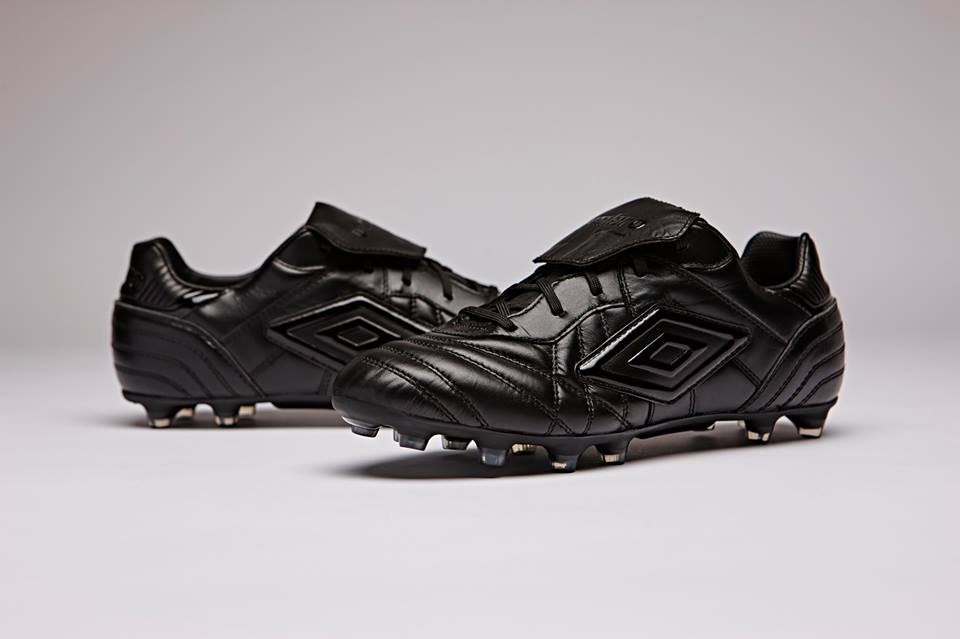 nike calcio total black