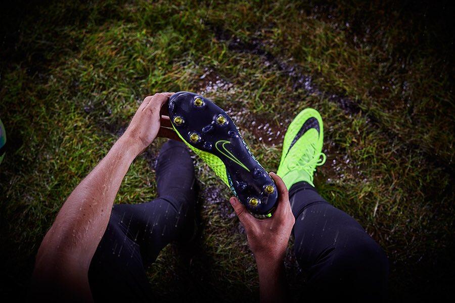 Nike Anti Clog Traction: via il fango dai tacchetti  pzQbI2