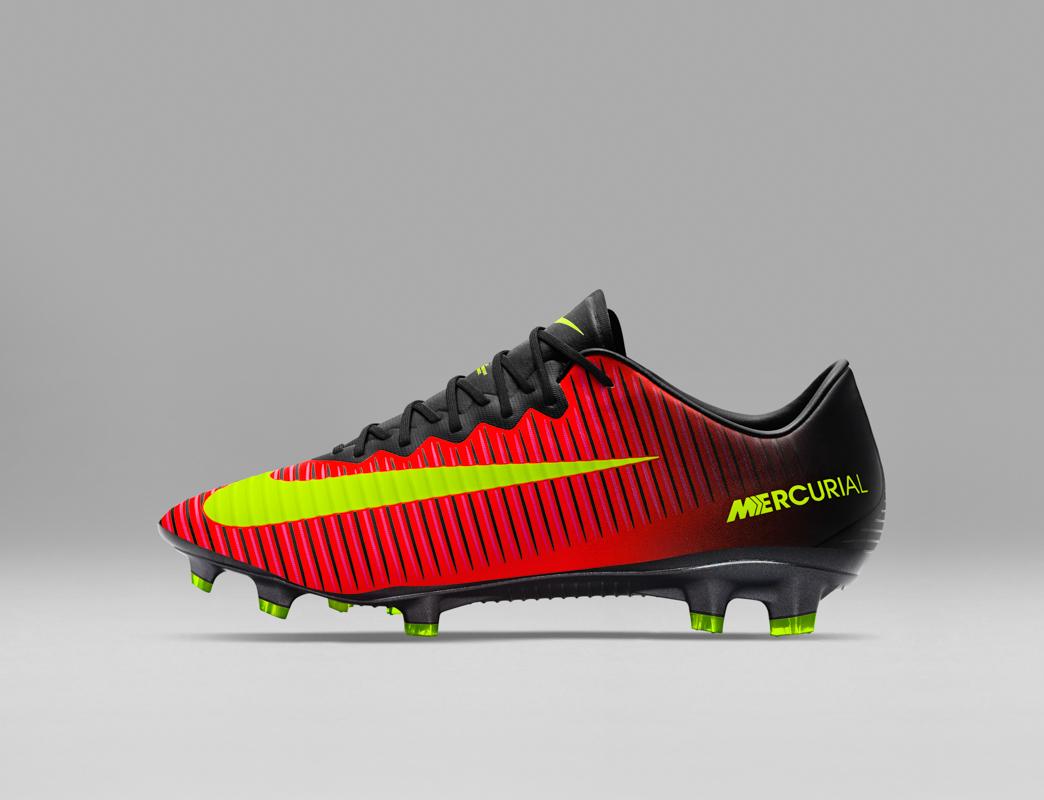 a basso prezzo 4d8e8 5b5f6 scarpe da calcio di ronaldo 2018