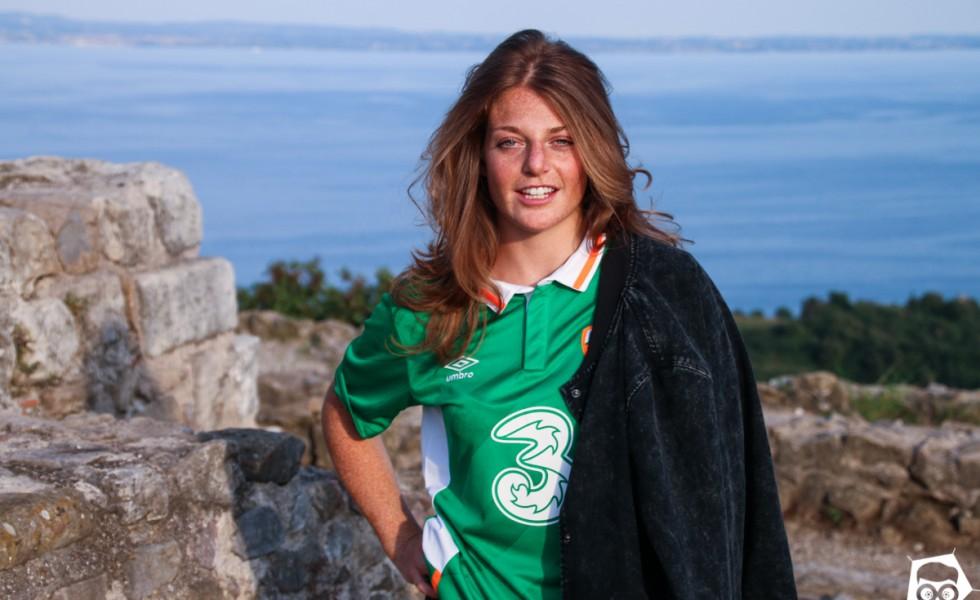Isa e la maglia Umbro dell'Irlanda