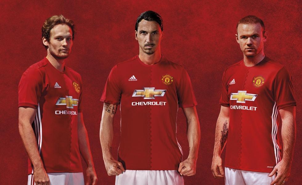 il manchester united svela la maglia 2016 17 manchester united svela la maglia 2016