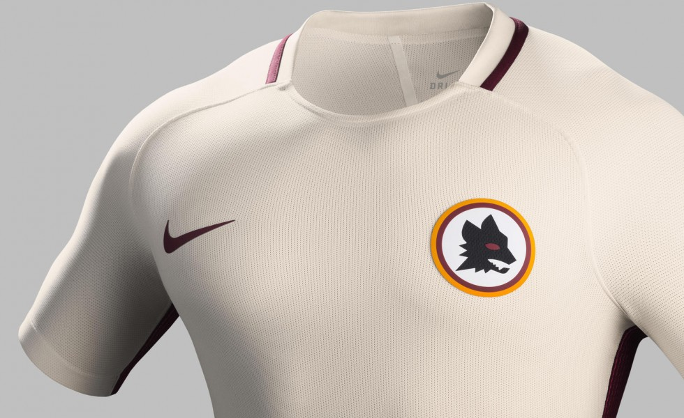 Nike svela la nuova maglia away della Roma