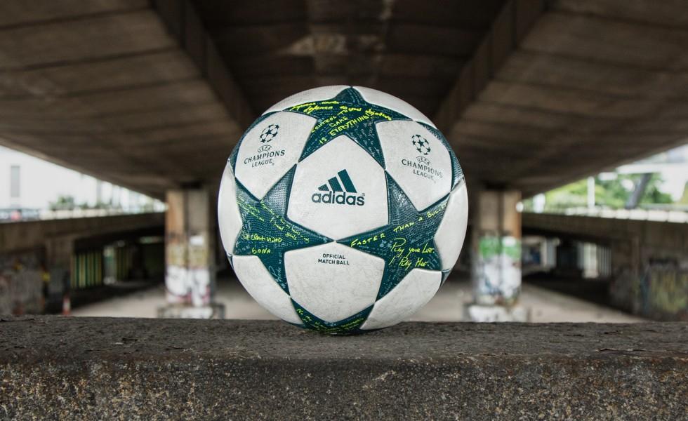 Champions League, il pallone della fase a gironi