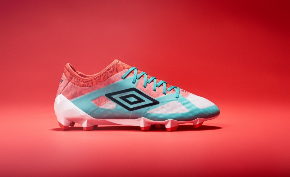 Umbro lancia le Velocita 3 : Don't Get Caught!