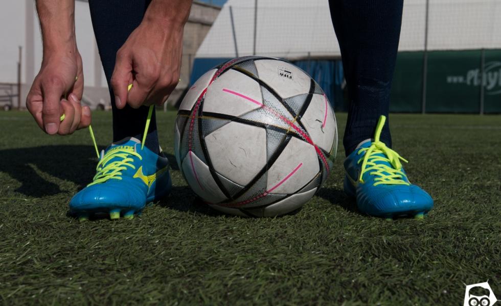 Le migliori scarpe da calcio e calcetto  Ecco i modelli e dove acquistarli 9f1b298b4df