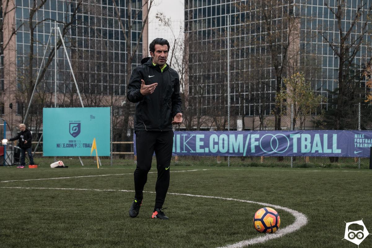 falso Sudán erupción  Nike Academy a Milano con Luis Figo