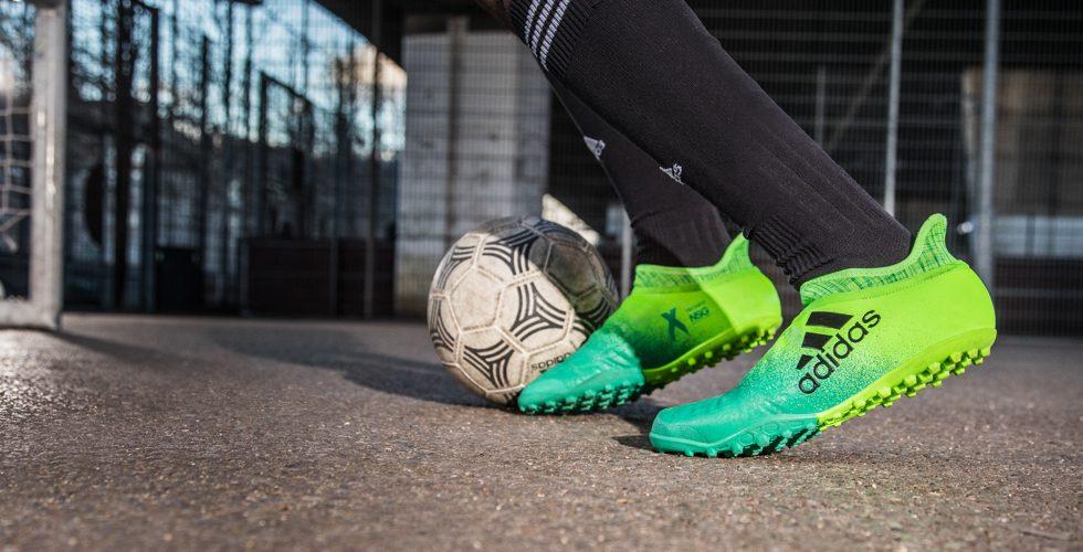 Adidas lancia le X 16 Turbocharge per calcio e calcetto