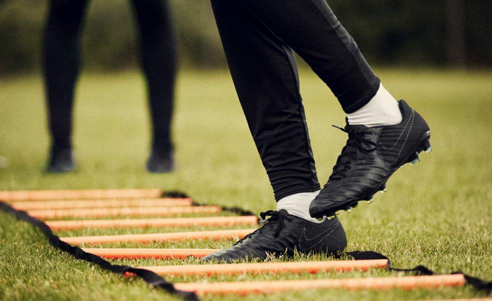 Nike Football Academy Pack 2017
