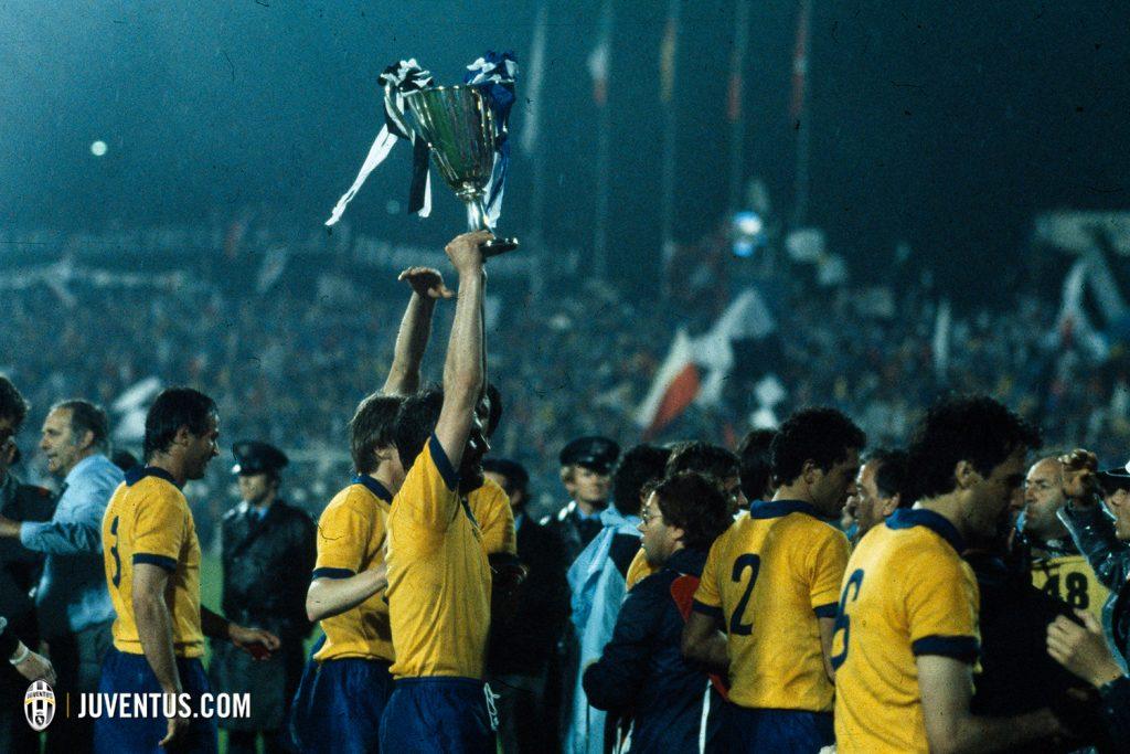 la bianconera maglia juve away 1984