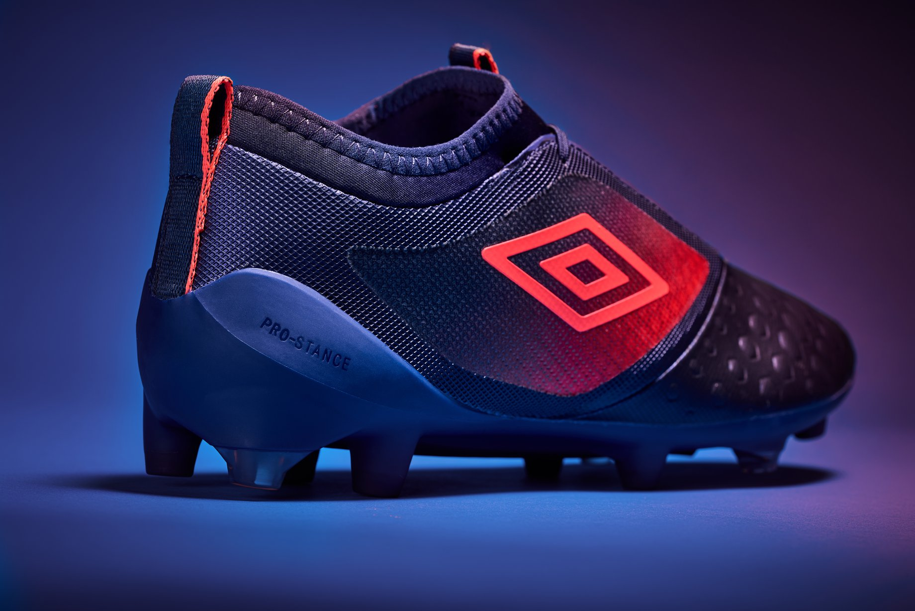 Umbro UX Accuro 2