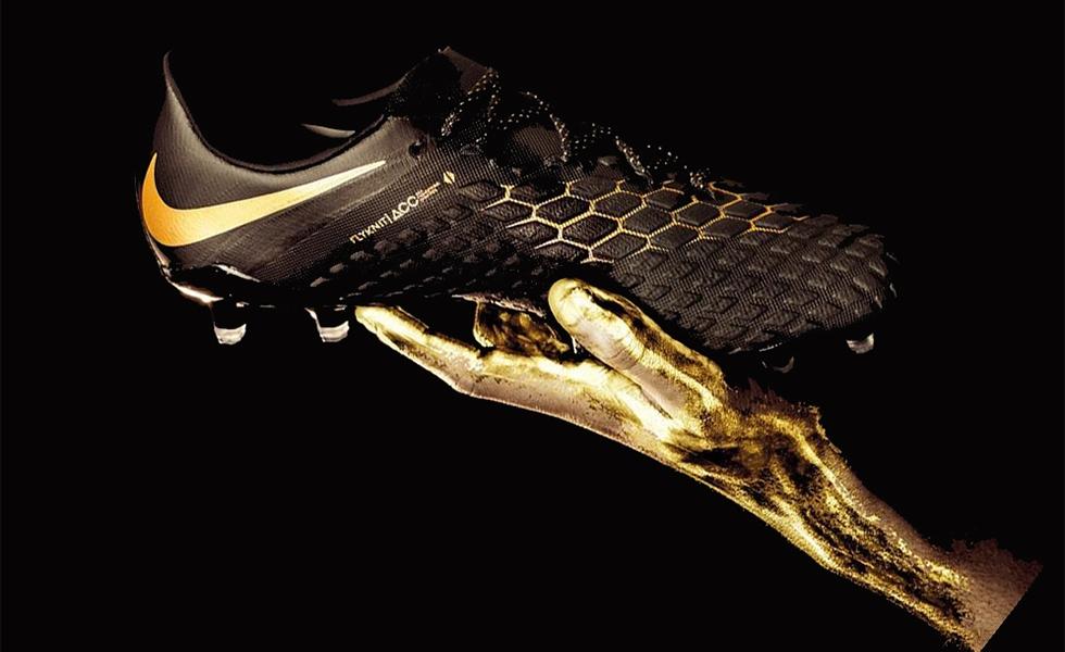 Le scarpe Hypervenom Gold di Neymar, versione dorata