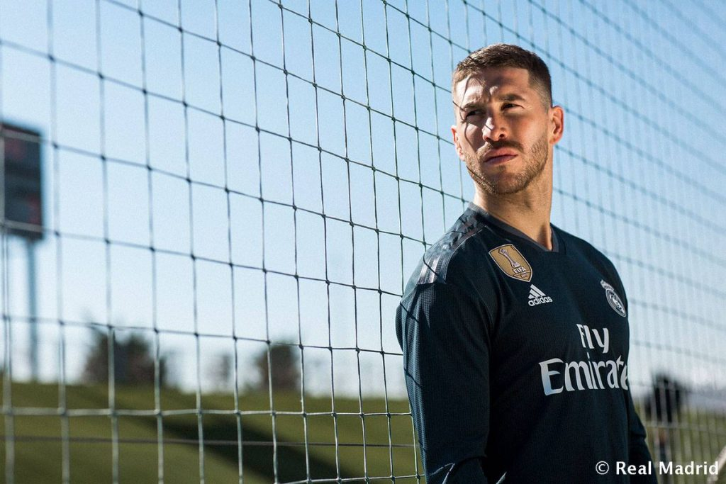 Real Madrid, presentate le maglie 2018/19