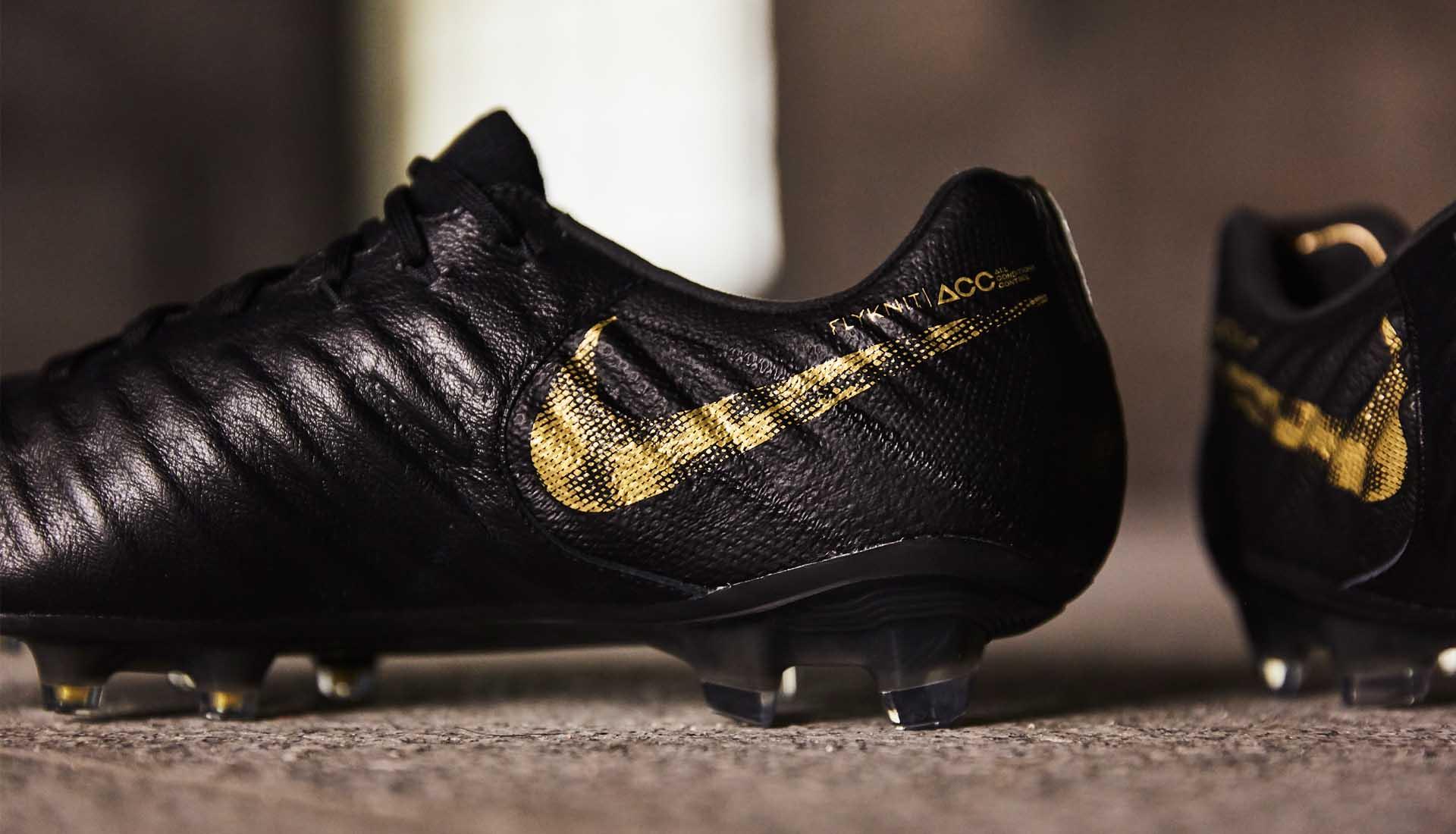 scarpe calcio nike black lux pack