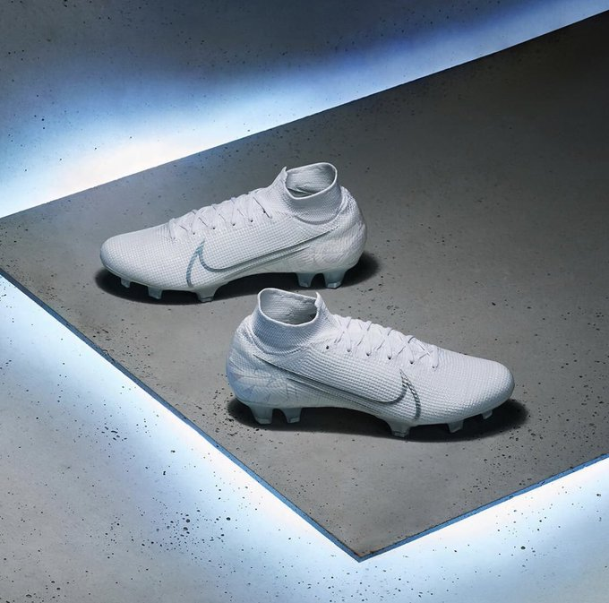 Nike nuovo white pack