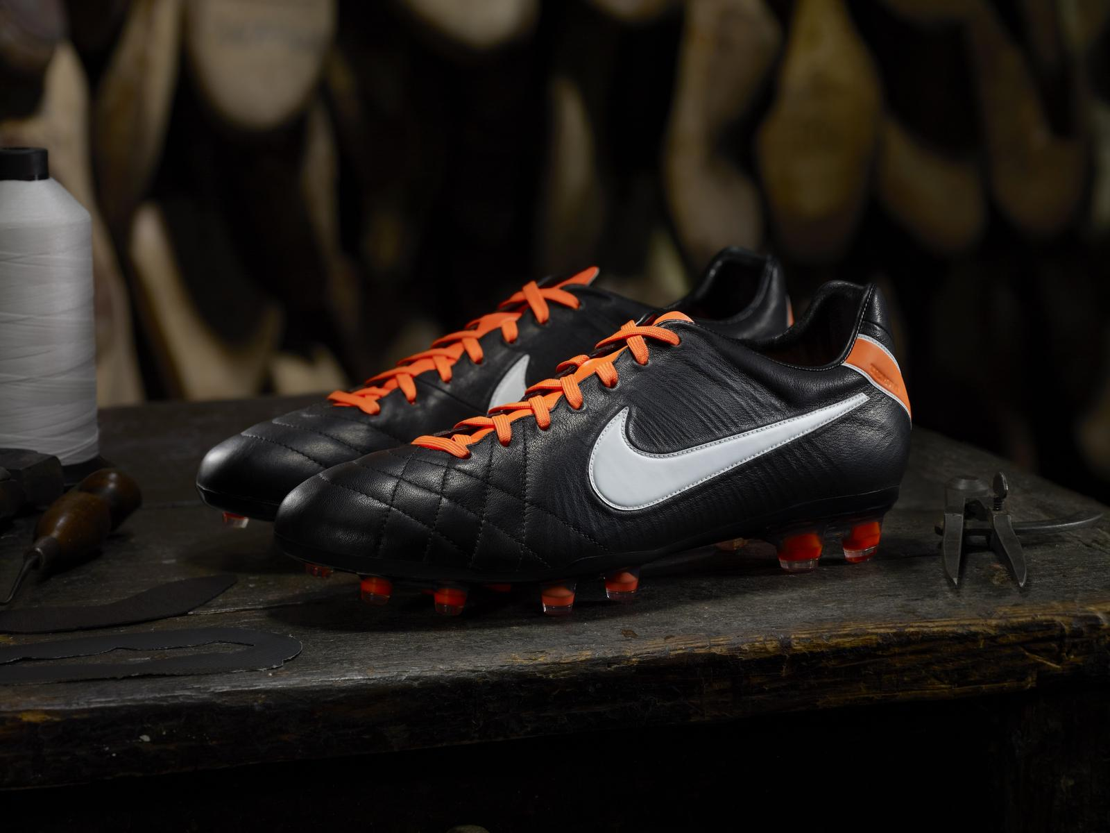 Nike Tiempo Legend Future DNA